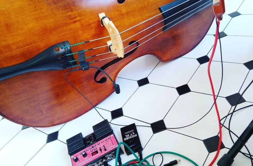 Upright bass, looper and efx